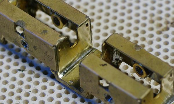 Vyleštěný povrch pro osazení převodovky